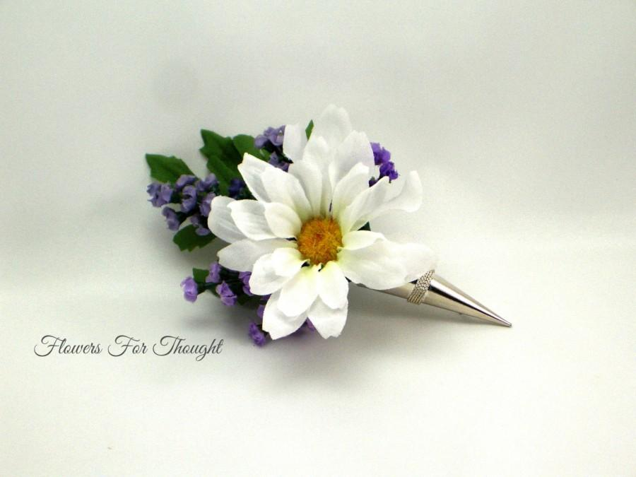 Wedding - Daisy and Lavender Boutonniere in Silver holder, Groomsmen Flower Pin, White and Purple Mens Lapel Decoration