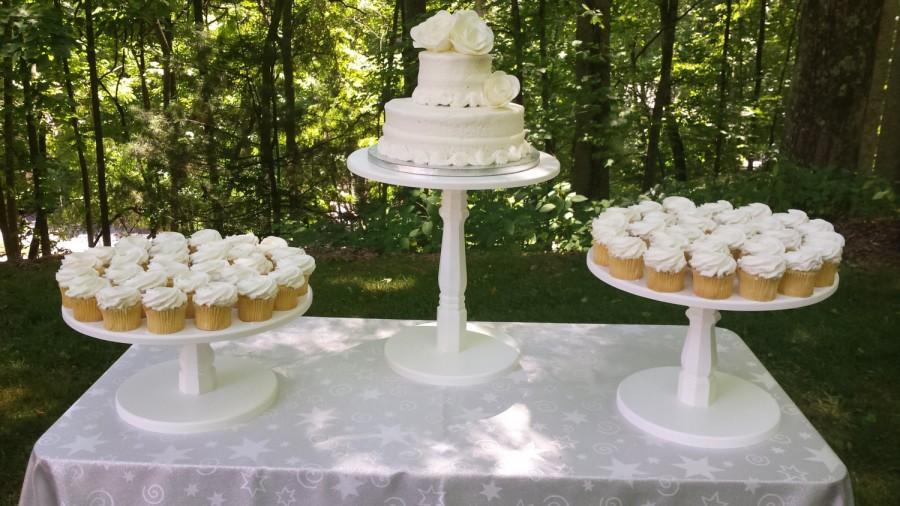 Свадьба - Cake Stand, Wood Cake Stand, Shabby Chic Cake Stand, Wedding Cake Stand, Shabby Chic Wedding, Wood Cake Stand, Cupcake Stand, Set of 3 Stand