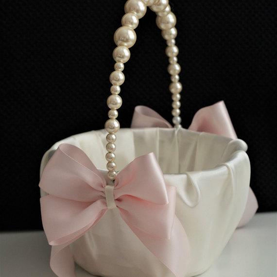 Hochzeit - Pearl Wedding Basket  Ivory Wedding Basket with Pearl handle  Pink Flower Girl Basket  Pink Wedding Ceremony Basket with pearls