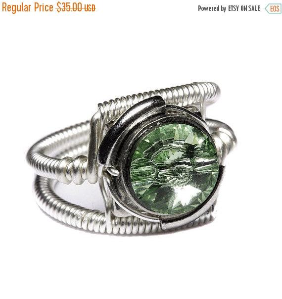 Свадьба - SALE 25% OFF - Steampunk Jewelry - Ring - Chrysolite Green Swarovski Crystal