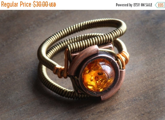 Свадьба - SALE 25% OFF - Steampunk Jewelry - Ring -  Lab created Amber