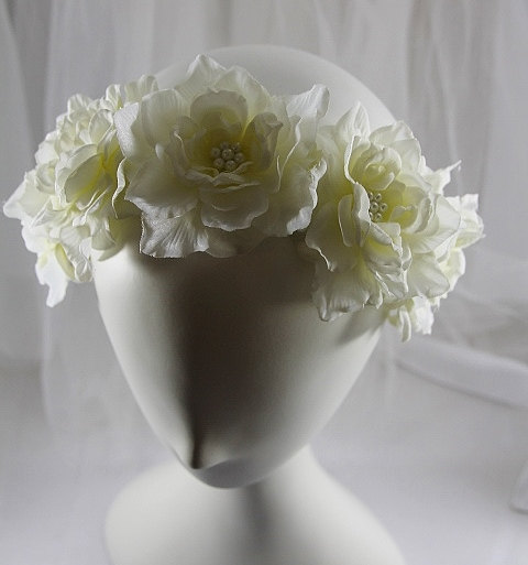 Hochzeit - Ivory and Pale Yellow Bridal Flower Crown with Pearls,  Flower Girl Flower Crown with Pearls, Ivory Wedding Flower and Pearl Hair Accessory