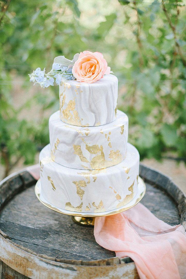 Mariage - 12 Modern Marble Wedding Cakes With Gold Detail
