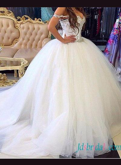 Mariage - Beautiful full princess tulle ball gown wedding dress
