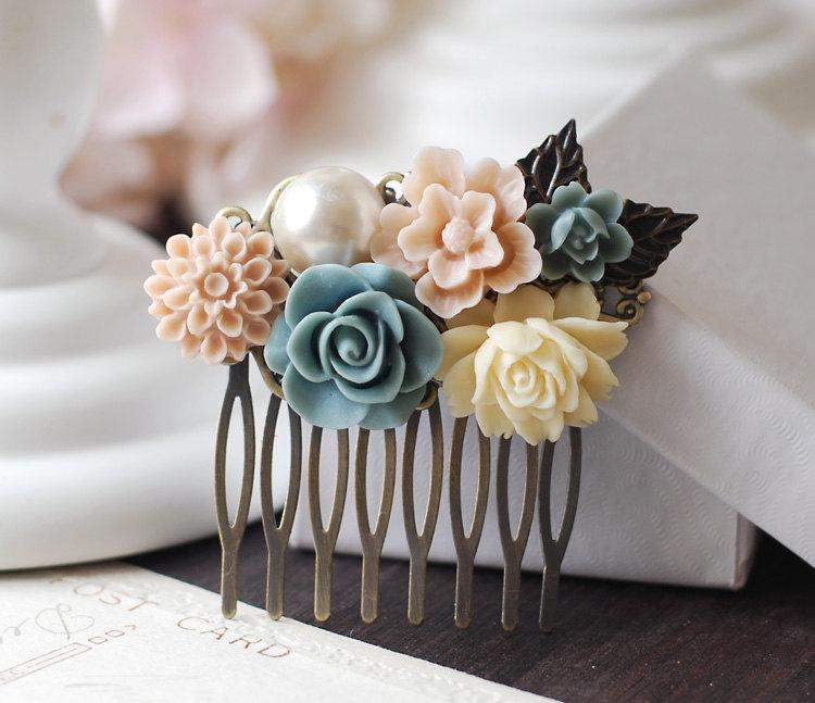 Boda - Wedding Bridal Flower Collage Hair Comb. Ivory Dusk Blue Rose, Pale Pink Flower, Pearl Flowers Hair Comb. Bridal Wedding headpiece
