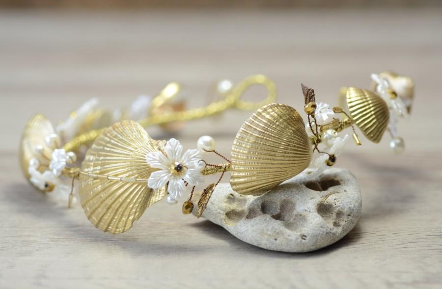 Mariage - Gold Mermaid Hair Accessory Beach Wedding Crown Seashells Flower Mermaid Crown Wedding Headpiece Destination Wedding Headband bracelet set