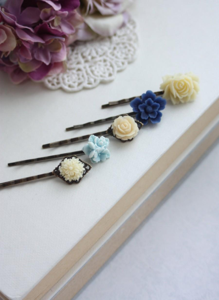 Свадьба - Blue Ivory Flower Hair Pin, Ivory Floral Wedding Hair Pin, Navy Blue Flower, Aqua Blue, Navy and Ivory, Something Blue, Set of Five (5) Pins