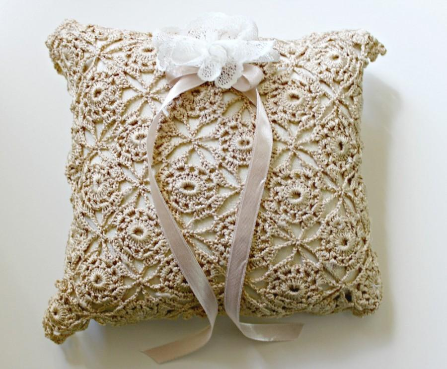Свадьба - Ring Bearer Pillow, Square Ring Pillow, Wedding Pillow, Wedding Ring Pillow, Lace Ring Pillow, Beige Ring Pillow, Doily Pillow, Boho Wedding