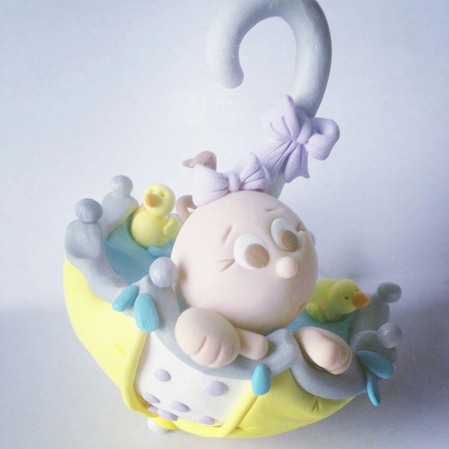 Свадьба - Baby Shower Umbrella Cake Topper Baby Boy Baby Girl or Neutral Baby on Blanket Personalized Custom Handmade Keepsake for Baby Shower party