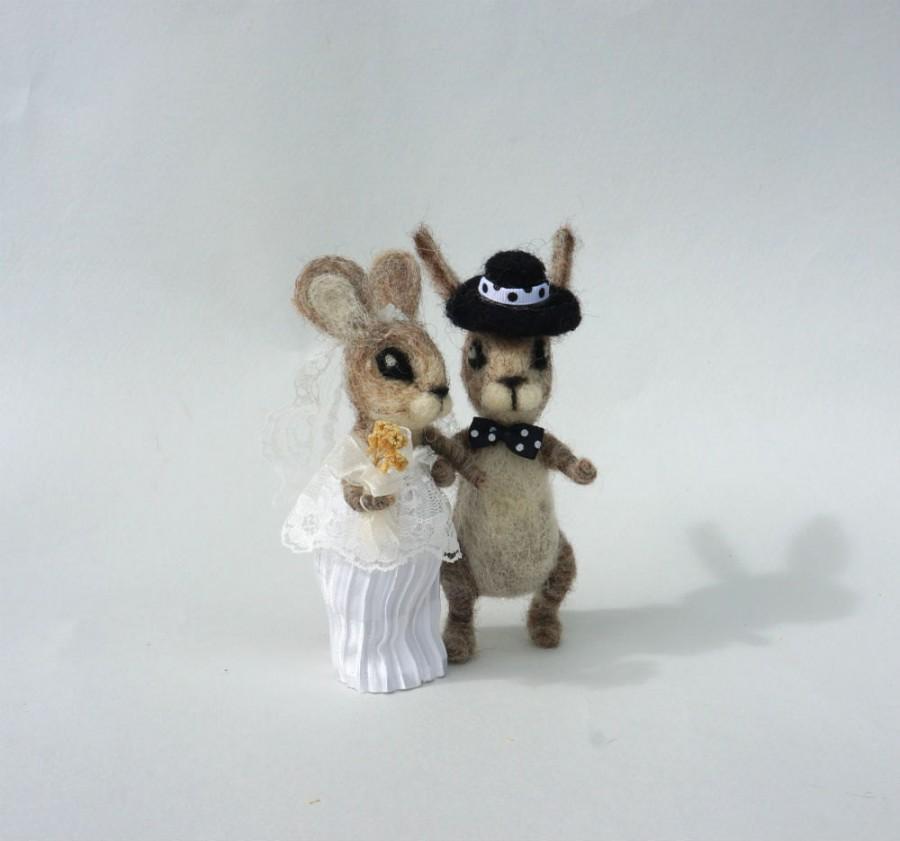 Mariage - Wedding  animal cake topper Bunny wedding cake topper Mr Mrs bunny Rustic wedding Rabbit couple in love Woolen wedding topper Bride  Groom