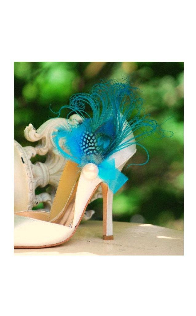 Свадьба - Something Blue Shoe Clips Turquoise Peacock Feather Ivory Pearl. Wedding Bride Bridal Bridesmaid Couture. Statement Edgy Stunning Sexy Party