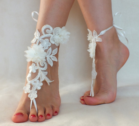 Hochzeit - Free Ship ivory foot jewelry, lace sandals, beach wedding barefoot sandals, wedding bangles, anklets, bridal, wedding
