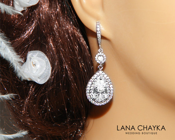 Mariage - Cubic Zirconia Bridal Earrings Chandelier Crystal Wedding Earrings Sparkly Dangle CZ Wedding Earrings Bridal Bridesmaid Crystal Jewelry