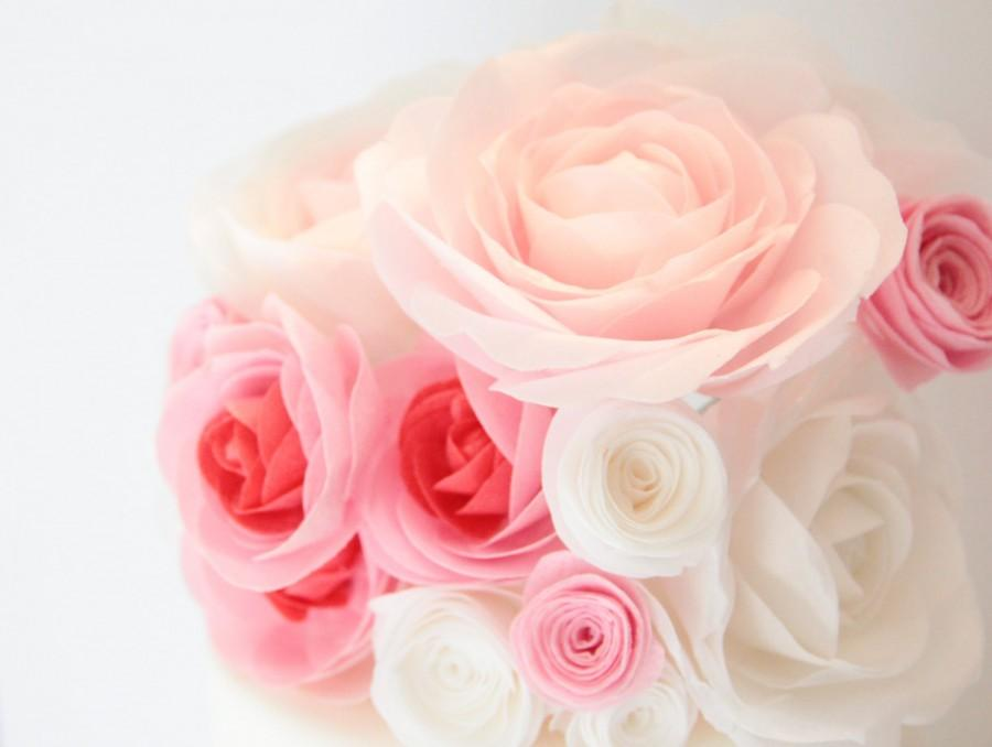 Mariage - Edible Wafer Paper Large Garden Roses in White, Pink, and Multi Colors for Wedding and Special Occasion Cakes; Room Decor; Paper Roses