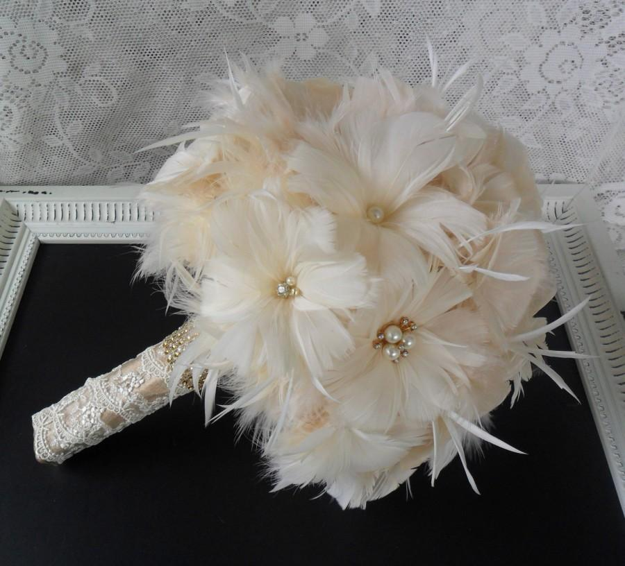 Mariage - Feather Bridal Bouquet, Wedding Bouquet, Gold Bouquet, Brooch Bouquet, Gatsby Bouquet, Alternative Bouquet,Vintage Style Bouquet,MANY COLORS