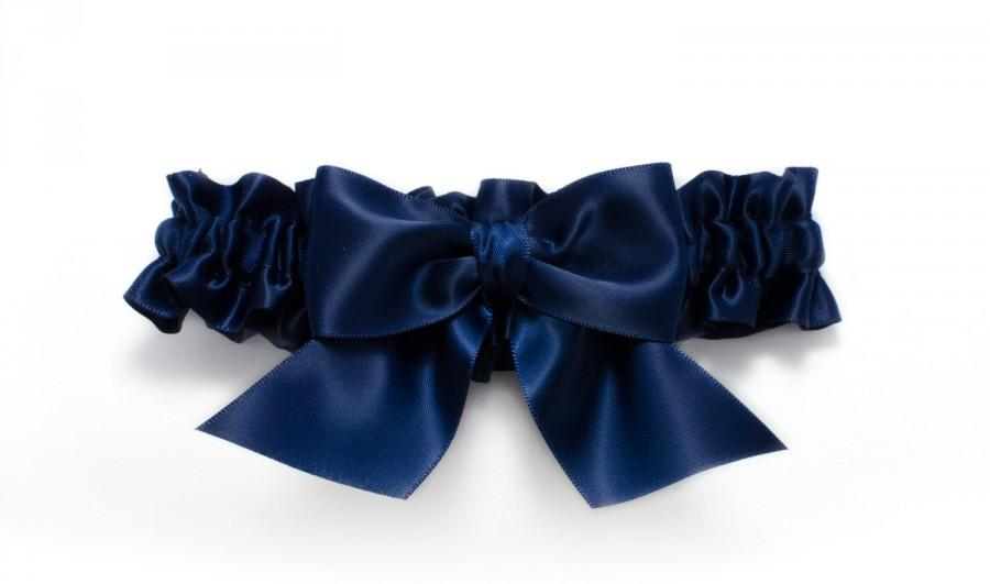 Hochzeit - Wedding garter - bridal garter - navy blue garter with big navy blue bow - satin toss garter - navy blue prom garter - navy blue toss garter