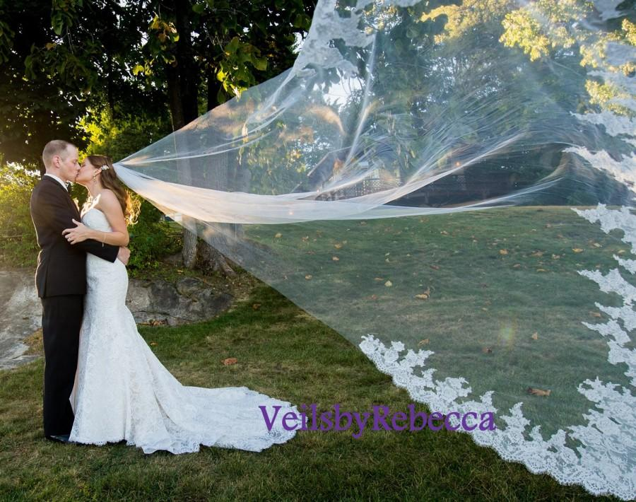 Mariage - 1 tier cathedral lace veil, ivory lace flower cathedral veil, cathedral lace wedding veil, long lace bridal veil, custom made veil V608