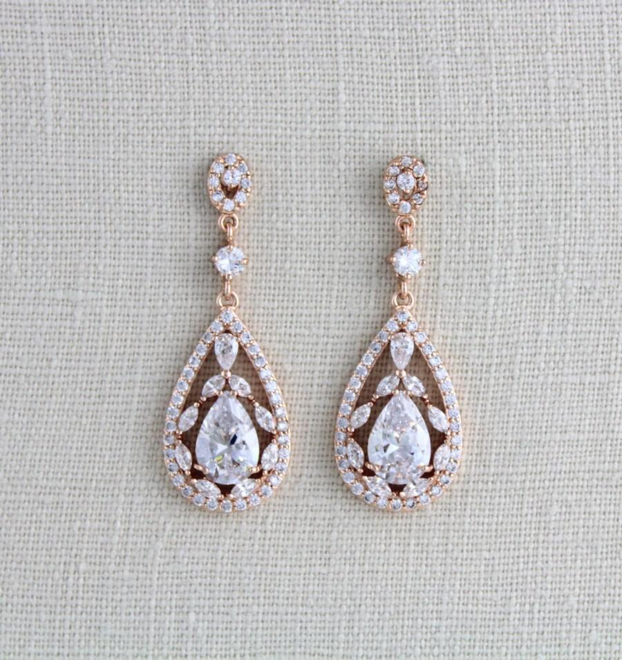 Mariage - Rose Gold Bridal earrings, Wedding jewelry, Crystal Wedding earrings, Chandelier earrings, Statement earrings, Swarovski earrings, Art deco