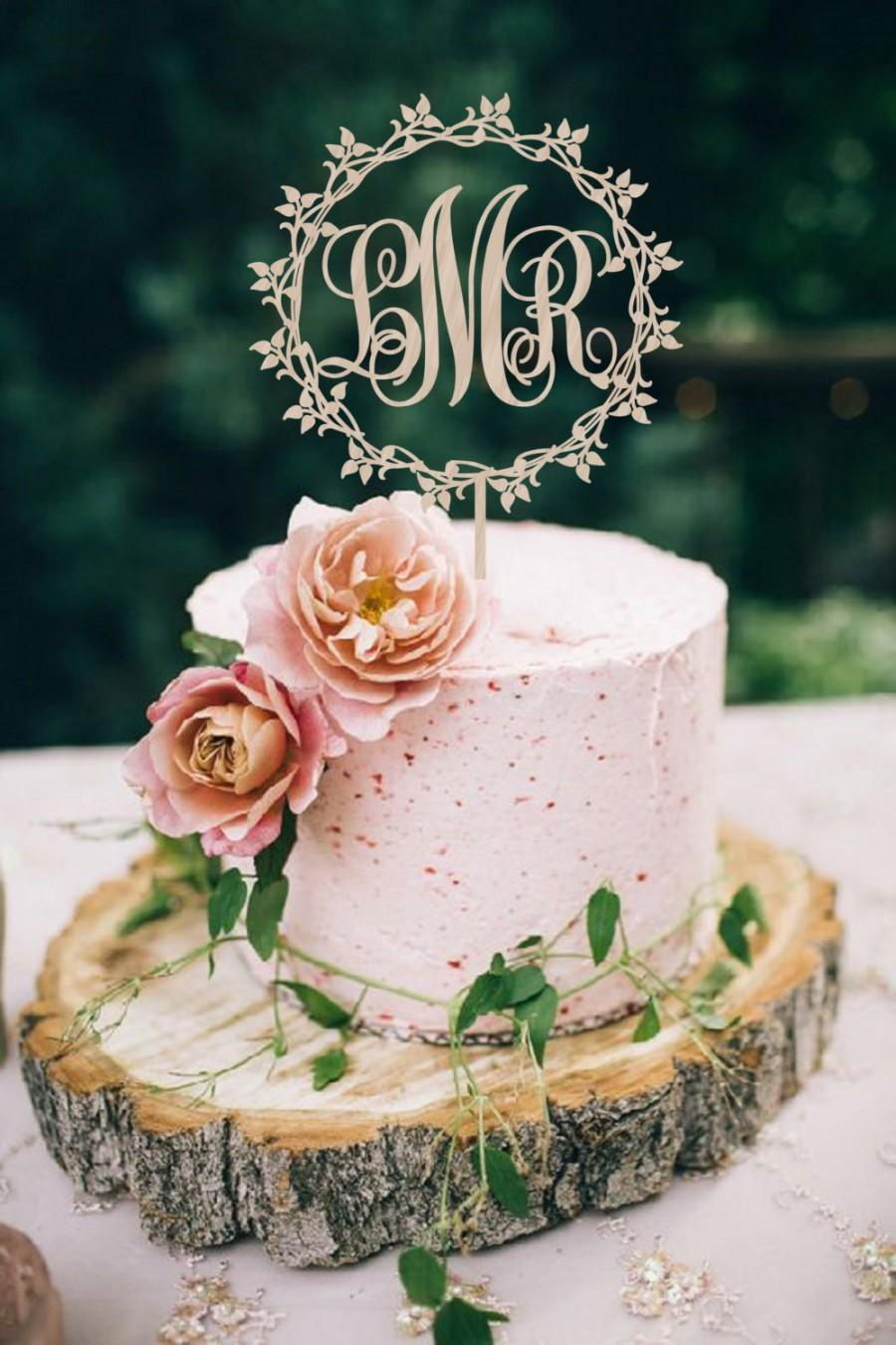 Hochzeit - Wedding Cake Topper Monogram  Wreath Wedding Cake Topper Initial    Personalized  Wedding Cake Topper  Wood Cake Topper