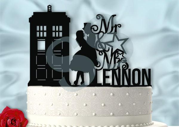 Hochzeit - Doctor Who Inspired Wedding Tardis Serenade with Last Name Dr Who Wedding Cake Topper