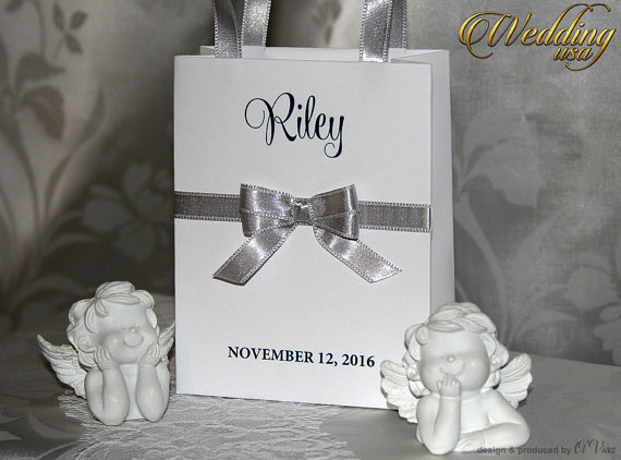 Mariage - Small Personalized Bridesmaid Gift Bags with white lace, Silver ribbone and name Custom Bridesmaid Bachelorette bags Bridal Party favor bags