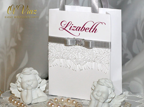 Boda - Small Personalized Bridesmaid Gift Bags with white lace, Silver ribbone and Burgundy name - Custom Bridesmaid Bachelorette bags Bridal Party