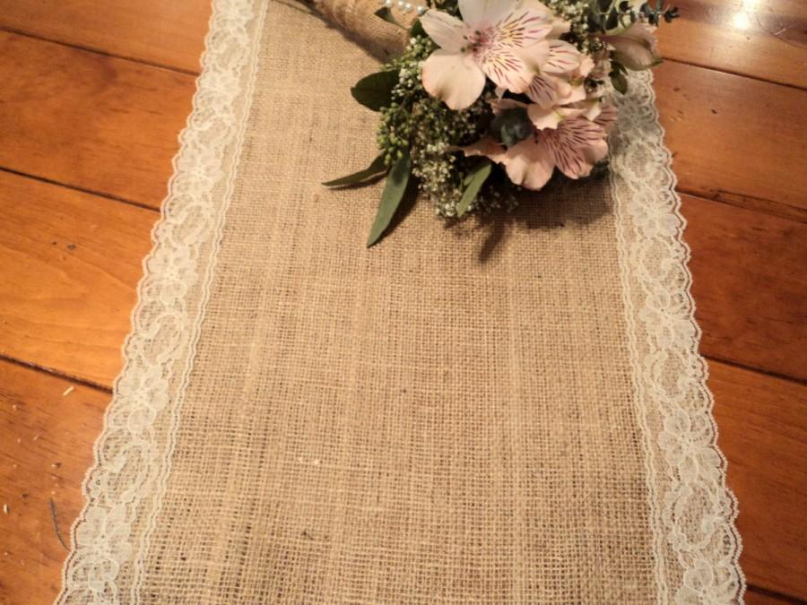 زفاف - Burlap Table Runner with Lace Choose your Width, Length and Lace Color Rustic Chic Weddings and Shower Tables Rustic Home Decor