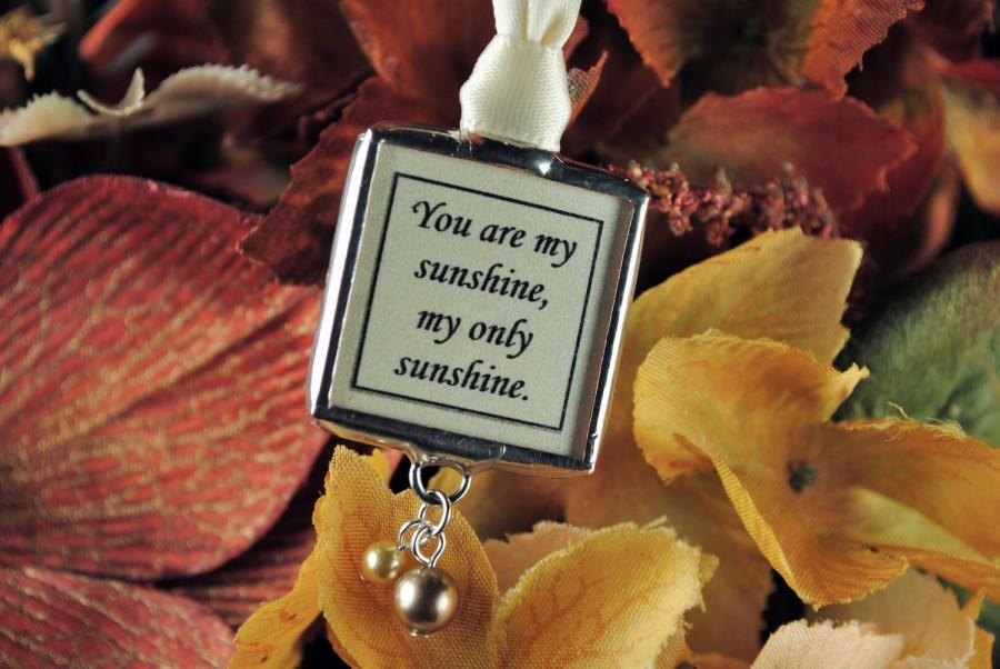 Mariage - Vintage Autumn Wedding Memorial Photo Bouquet Charm