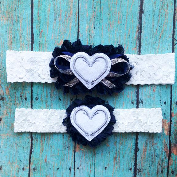 Hochzeit - Navy and White Fish Hook Hearts Garter Set