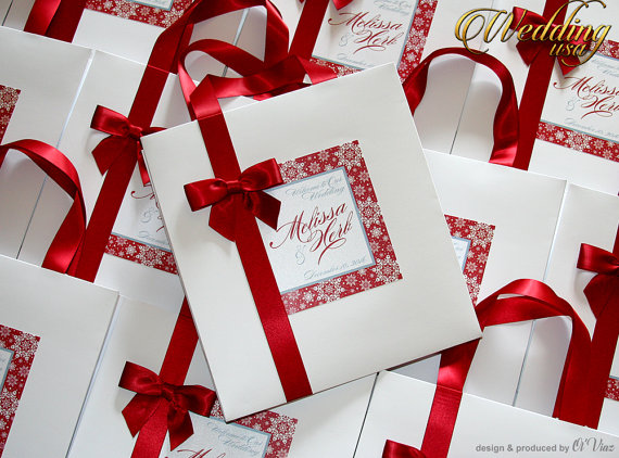 Mariage - 25 Darck Red Winter-Snowflakes Wedding Hotel paper Bags with ribbon and tag Wedding bag Elegant Paper Bag Out of Town Bags Bridal Shower bag
