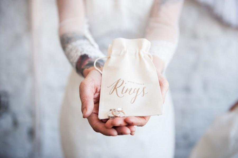 Свадьба - Boho Wedding Ring Bearer Bag, ring pillow alternative
