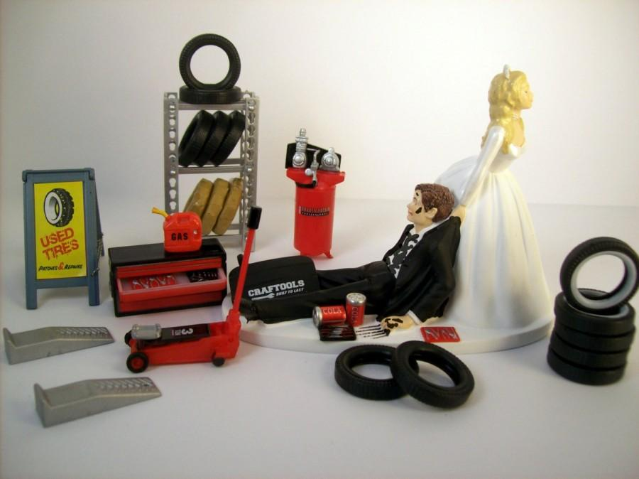 Свадьба - Funny Wedding Cake Topper Mechanics AUTO MECHANIC TIRES Long Hair Awesome Groom's Cake Humorous Rehearsal Dinner