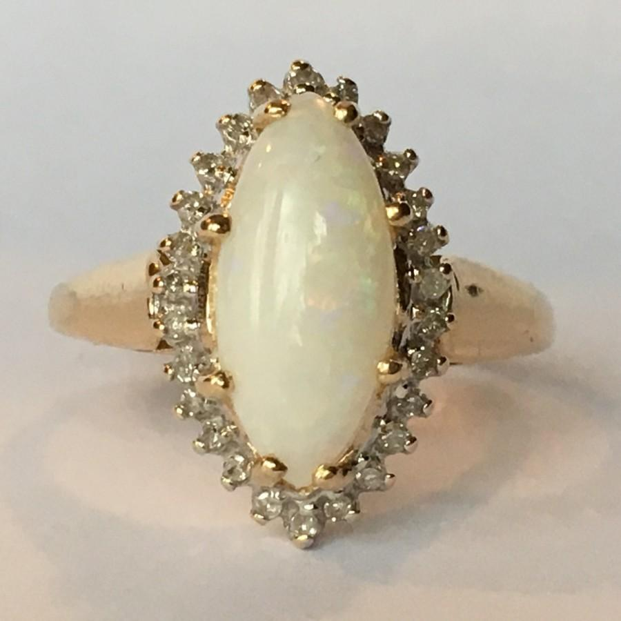 Mariage - Vintage Opal Engagement Ring. Diamond Halo Ring. 10K Gold. Unique Engagement Ring. October Birthstone. 14th Anniversary. Estate Jewelry.