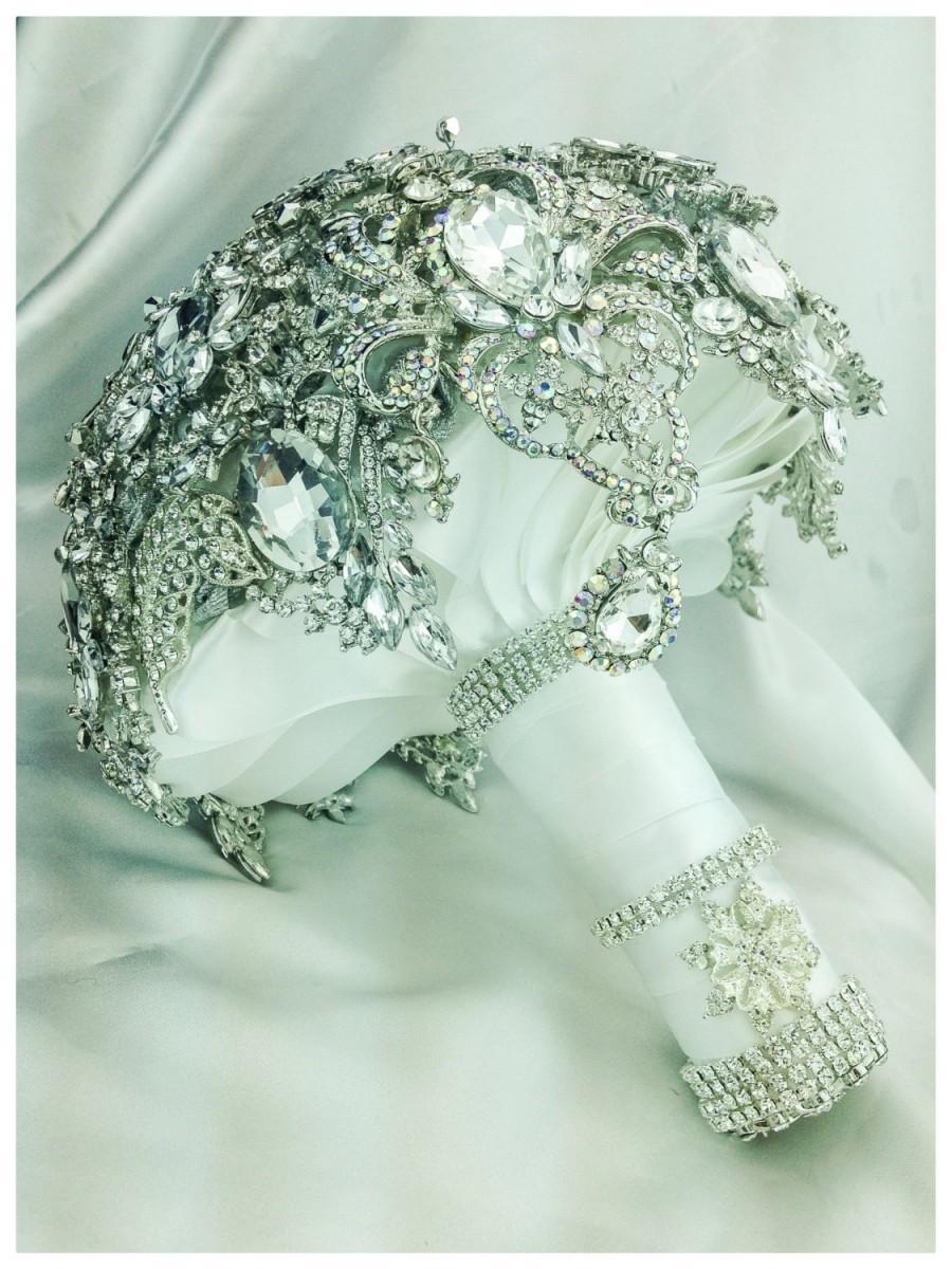 Свадьба - BROOCH BOUQUET. The Silver White Glam Gatsby Diamond Crystal Bling Brooch Bouquet. Deposit on Swarovski Diamond Jewelry Broach Bouquet