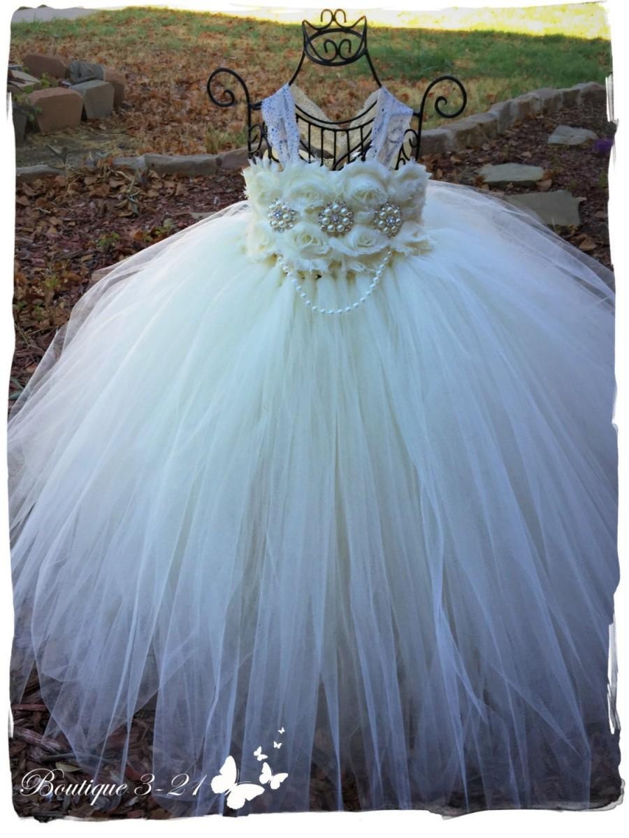 Mariage - Shabby flower girl, Ivory Flower Girl Dress, Ivory tutu dress, Lace Dress, Wedding tutu dress, Ivory and pearls flower girl tutu dress,