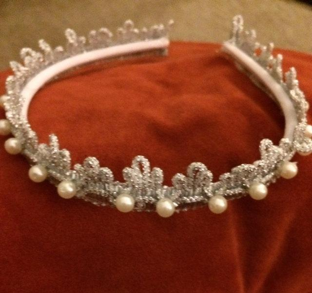 Mariage - Silver Headband Tiara Studded with Pearls.  Bridal Accessories