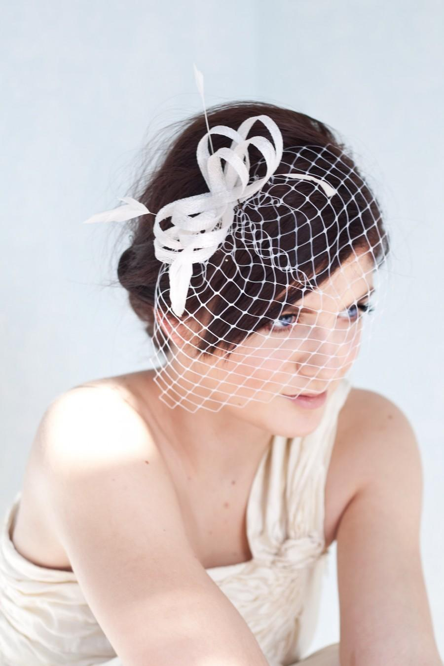 Wedding - Bridal fascinator with french veil and feathers, bridal millinery hairpiece