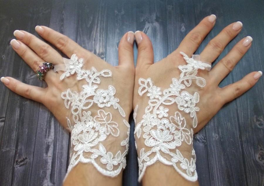 Wedding - Free Shipping, White Wedding Gloves, Bridal Lace Gloves, Fingerless gloves, Fairy Wedding Gloves, Bridal cuff