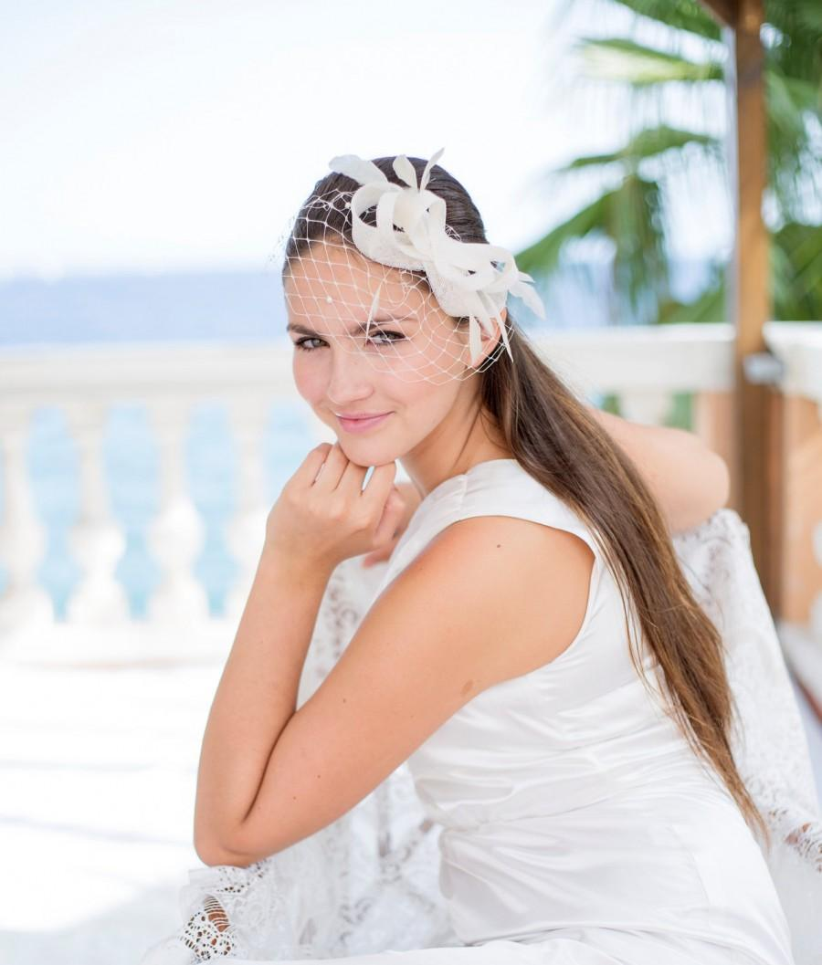Mariage - Bridal millinery headpiece with feathers, wedding feather fascinator