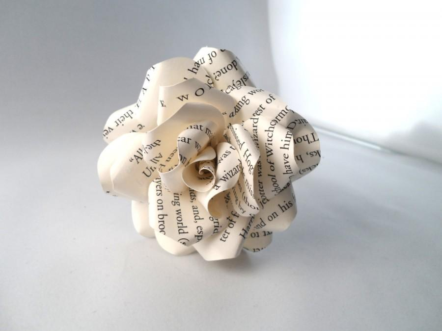 Mariage - Book Pages Paper Flowers (Set of 6) - Paper Rose - Page Book Flower - Anniversary Gift - Wedding  - Eco Friendly Flower - Upcycled