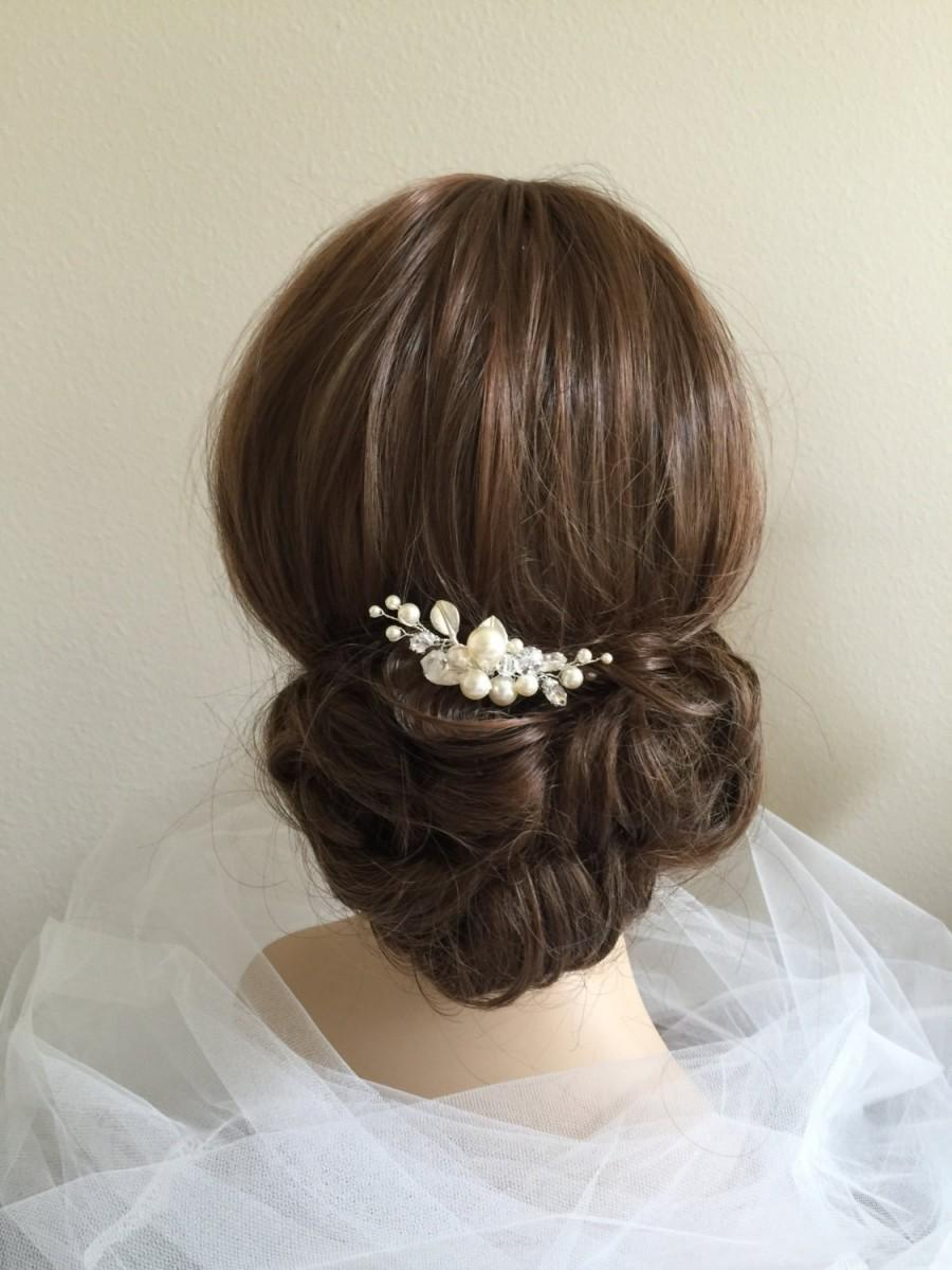 Свадьба - Swarovski Crystals and Pearls Bridal Hair Comb, Swarovski hair comb, Wedding hair comb, Ivory Swarovski Pearls, White pearl hair comb