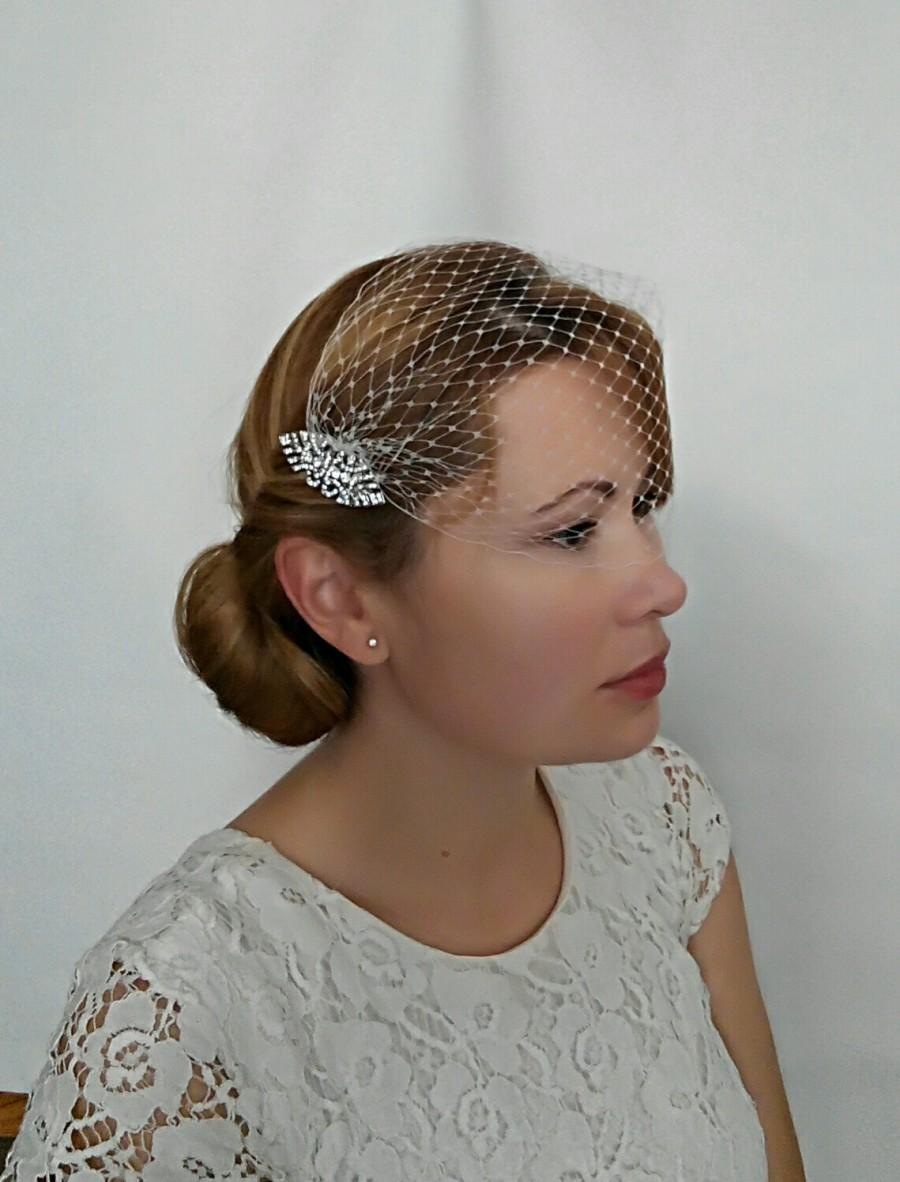 Mariage - Art Deco Birdcage Veil Ivory or White Netting with 2 Art Deco Hair Comb Bridal Fascinator, Bandeau Veil, Bandeau Birdcage Veil, Detachable