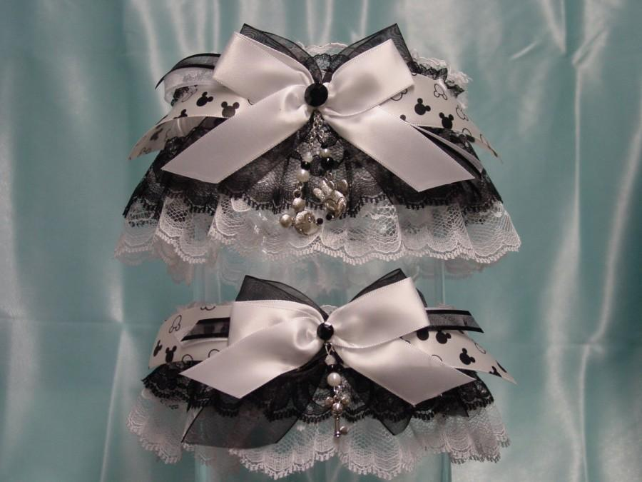 Hochzeit - Disney Mickey & Minnie Mouse Formal Black on White Wedding Garter Set
