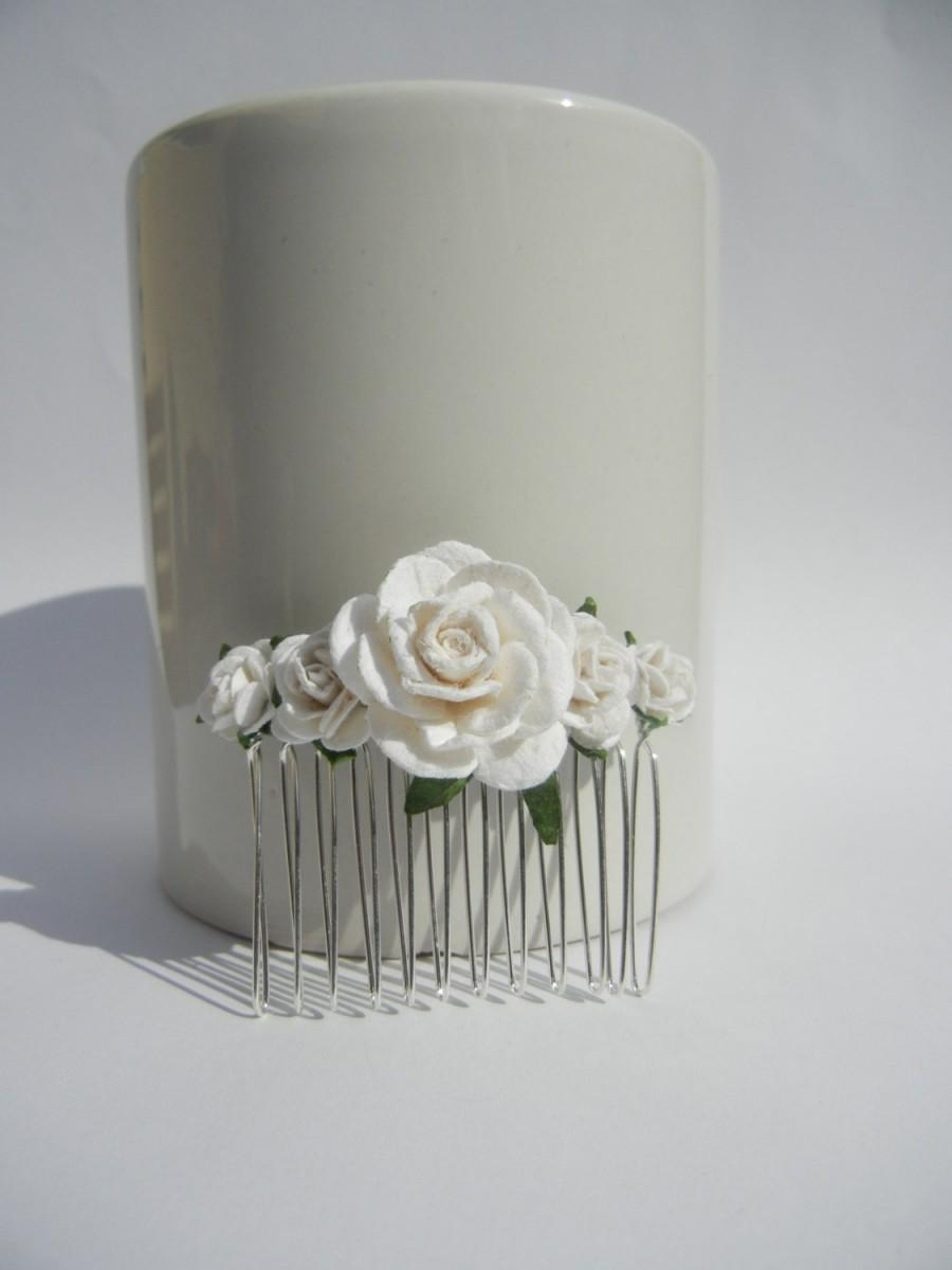 Hochzeit - White Rose Hair Comb, Flower Hair Comb, Bridal Hair Comb, Bridal Hair Accessory, Rustic Hair Comb, Floral Headpiece, White Wedding.