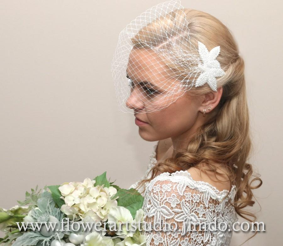 Mariage - White Birdcage Veil, Bridal Hair Flower, Bridal Veil, Bridal Blusher Veil, Bridal Hair Accessories, Bridal Headpiece, Birdcage Fascinator.