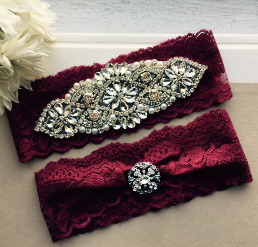 Свадьба - Burgundy Red Wedding Garter Set NO SLIP grip vintage rhinestones