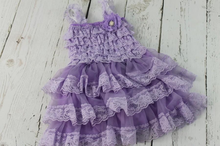 Hochzeit - Lavender Flower Girl Dress Lilac Rustic Girls Dress Junior Bridesmaid Dress Country Shabby Chic Wedding Dress Light Purple Jr Bridesmaid