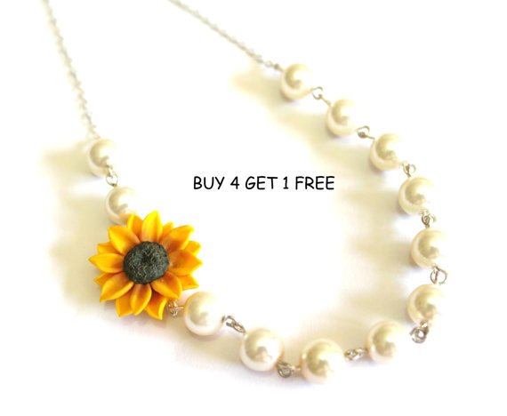 Mariage - Bridesmaid Jewelry, Sunflower Flower Girl Necklace, Wedding White pearl, Yellow Sunflower, Bridesmaid Jewelry, Bridesmaid Necklace