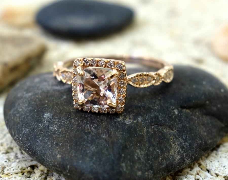 Mariage - Halo Engagement Ring Wedding Ring Unique Engagement Ring Diamond Ring Morganite Engagement Ring Pave Diamonds Solid Gold Vintage Engagement