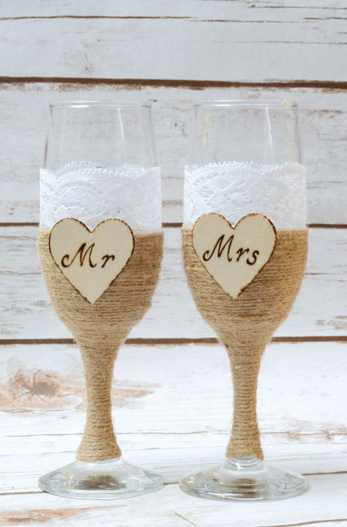 Mariage - Wedding Champagne Flutes Glasses Rustic Toasting Bride Groom Shabby Chic Mr Mrs Glasses Lace glasses